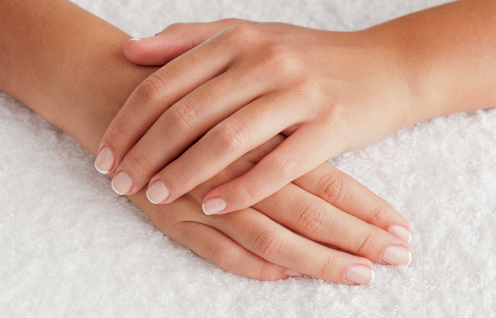 Beautiful-Hands-And-Feet-With-Baking-Soda